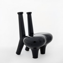 Pakhalé Flower Offering Chair black glossy represented by ammann//gallery