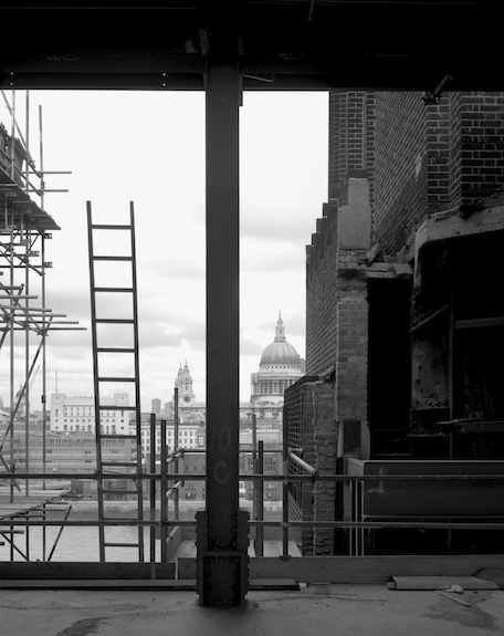 photography Hélène Binet - Tate Modern Construction 01, represented by ammann//gallery